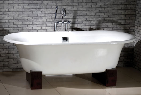Canyon bath modern tubs for Modern claw foot tub